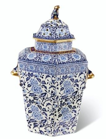 AN ENGLISH IRONSTONE BLUE AND WHITE HEXAGONAL POT-POURRI VASE, COVER AND INNER COVER 19TH CENTURY