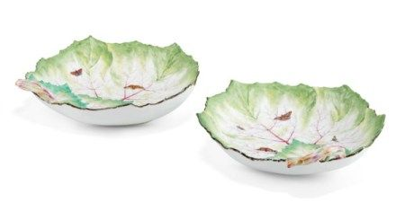 A PAIR OF BERLIN PORCELAIN LEAF-SHAPED DISHES CIRCA 1775, BLUE SCEPTRE MARKS, INCISED K AND IMPRESSED 13