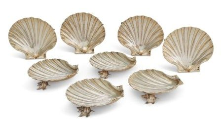 A GROUP OF EIGHT SILVER-GILT SHELL DISHES 20TH CENTURY