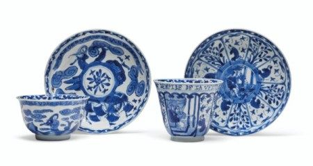TWO RARE EARLY BLUE AND WHITE EUROPEAN SUBJECT TEABOWLS AND SAUCERS  KANGXI PERIOD, CIRCA 1700