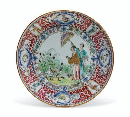 A RARE FAMILLE ROSE 'PRONK DAME AU PARASOL' SAUCER QIANLONG PERIOD, CIRCA 1738