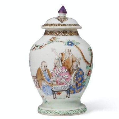 A RARE FAMILLE ROSE 'PRONK DOCTORS' TEA CADDY AND COVER QIANLONG PERIOD, CIRCA 1738
