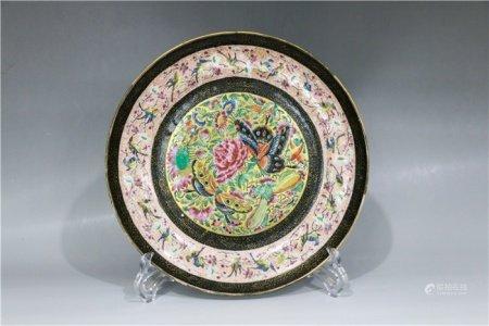 Powder enamel disc with floral design 粉彩花蝶盘