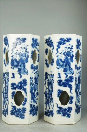A pair of blue and white figures hat tube 青花人物帽筒一对