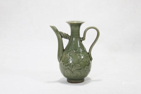Bean green glaze carved ewer 豆青釉刻花执壶
