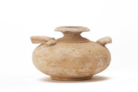 AN ANTIQUE CAMBODIAN POTTERY JAR