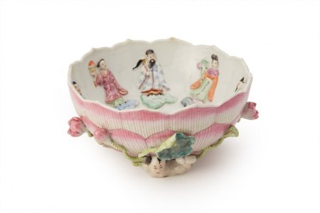 AN 'EIGHT IMMORTALS' PORCELAIN LOTUS BOWL