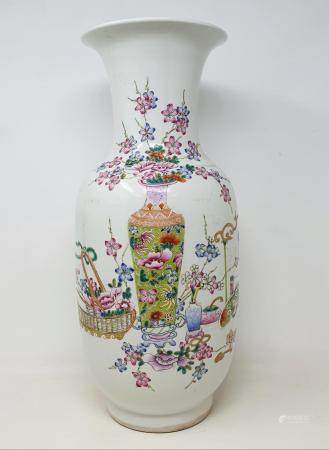 A modern Chinese famille verte vase, 45 cm high Report by JS This is a 20th/21st century copy