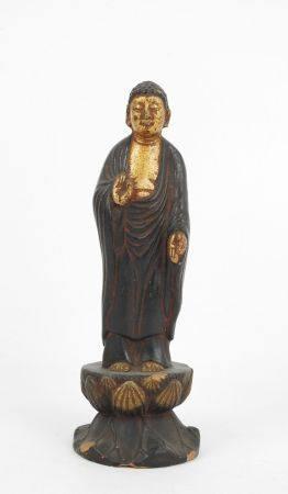 CHINE : Homme en prière en pied. Sujet en céramique à patine dorée et noire. Haut.: 20 cm ( écl