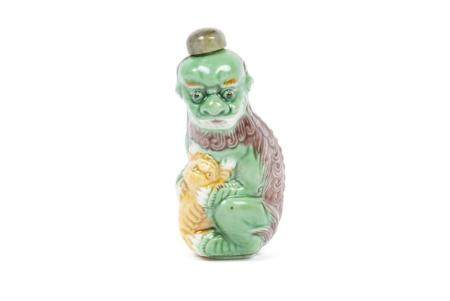 CHINESE MOTHER FOO LION SNUFF BOTTLE