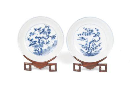 PAIR OF CHINESE XUANDE MARK BLUE & WHITE PORCELAIN PLATES