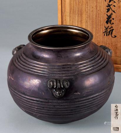 银製汉式花瓶