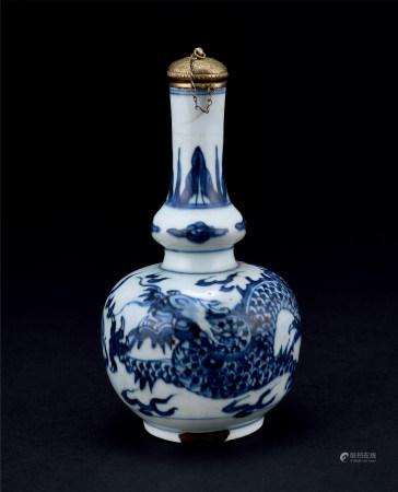 清青花龙纹葫芦瓶