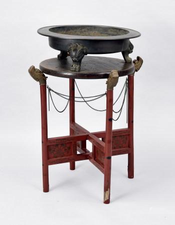 清铜製兽足盘配漆金缠枝花架