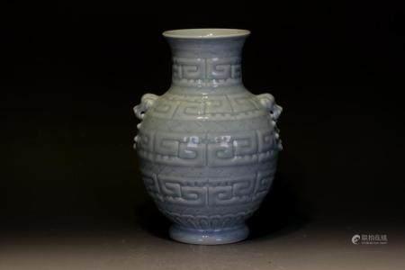 A Chinse pocilain vase