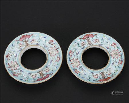 松石绿地粉彩缠枝莲纹福寿茶碗托一对