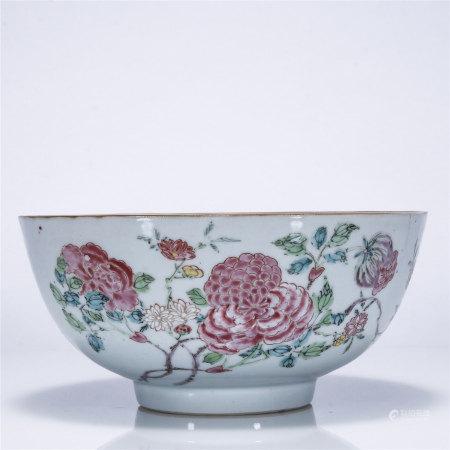 粉彩花卉纹大碗