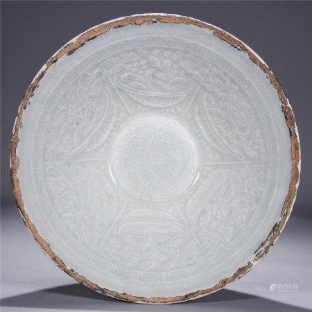 定窑模印花卉纹碗