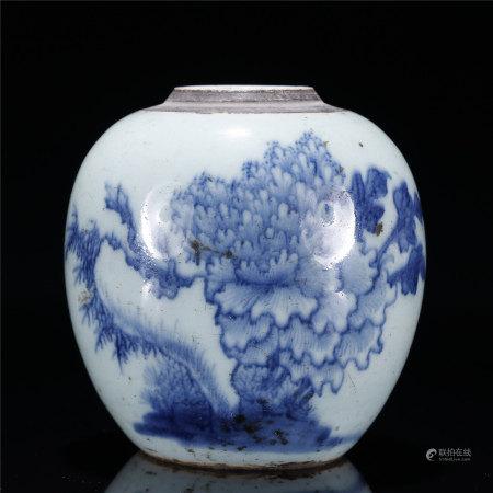 豆青釉青花牡丹花卉洞石图罐