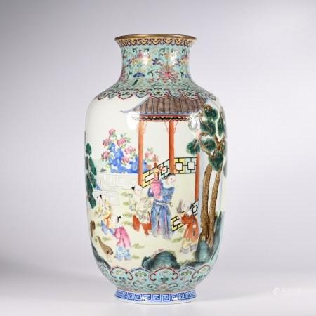 Qing Daoguang pastel bottle