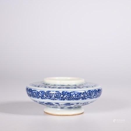 Qing yongzheng blue and white pot