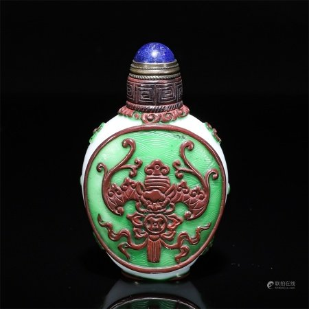 A snuff bottle with good fortune and longevity