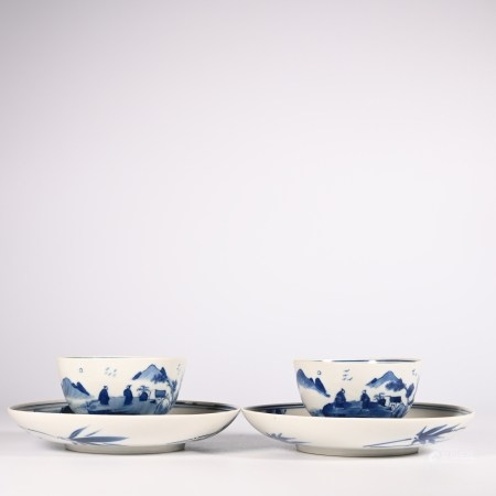 A set of blue and white tea cups in Qing Dynasty