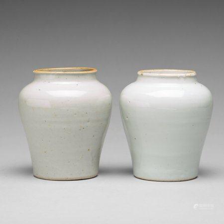 Two white glazed pots, Transiton, 17th Century.