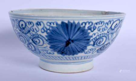 AN 18TH/19TH CENTURY CHINESE BLUE AND WHITE PORCELAIN BOWL possibly Korean, painted with floral scro