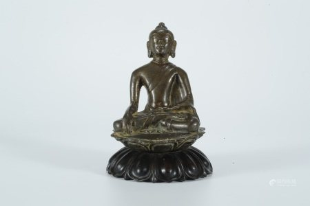 Early Ming dynasty, bronze statue of Sakyamuni buddha