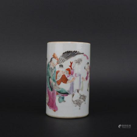 A famille-rose 'figurel' pen container