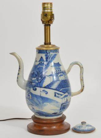 Chinese Blue White Porcelain Teapot Lamp