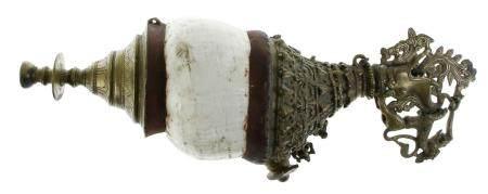 Instrument de soufflage : dunghkar, coquille avec des cadres en bronze élaborés, Inde/Tibet, se