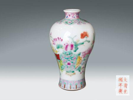 清  粉彩花卉紋小梅瓶 (大清光緒年製)