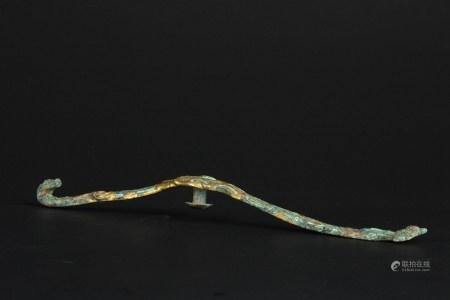 战国鎏金嵌绿松石龙首带钩