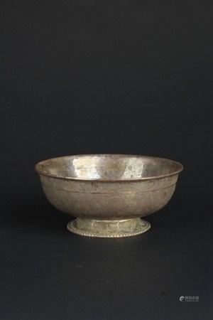 唐缠枝莲纹银碗