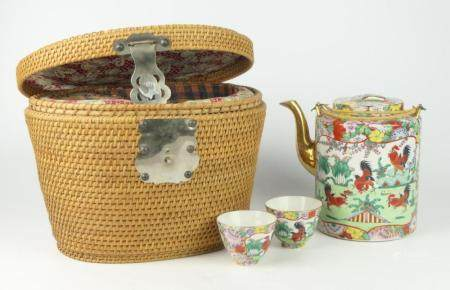 CHINESE REPUBLIC TEA FOR 2 IN PICNIC BASKET