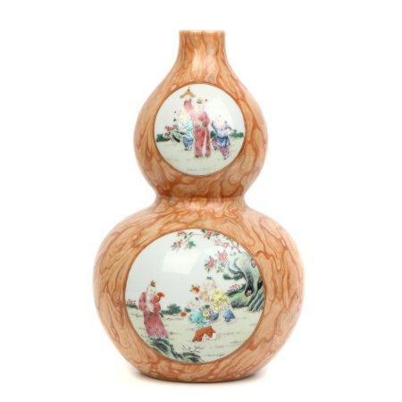 Chinese Famille Rose Porcelain Glazed Bottle