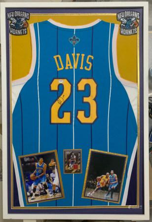 1996-1997  安东尼戴维斯新秀赛迦新奥尔良黄蜂签名球衣