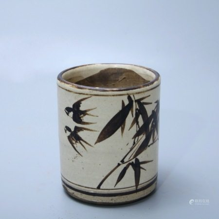 明 磁州窑花鸟纹笔筒