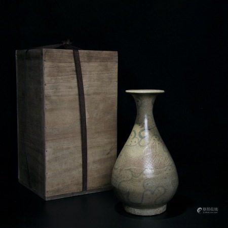 元 玉溪窑青花刻鱼纹玉壶春瓶