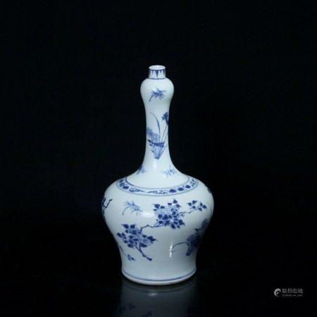 明崇祯 青花花卉纹长颈瓶