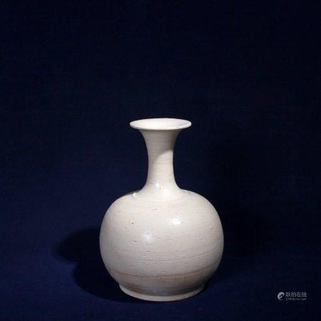 辽 白釉瓶