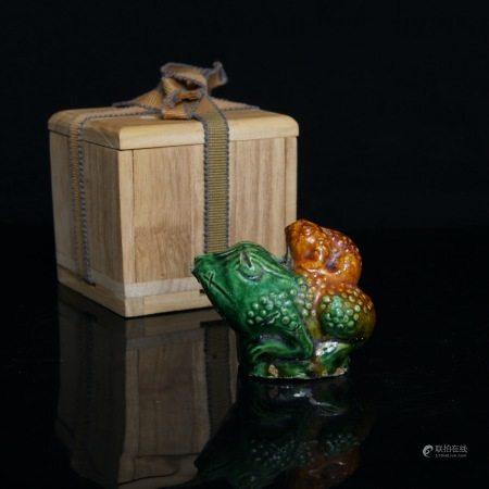 明 三彩蛙形水滴