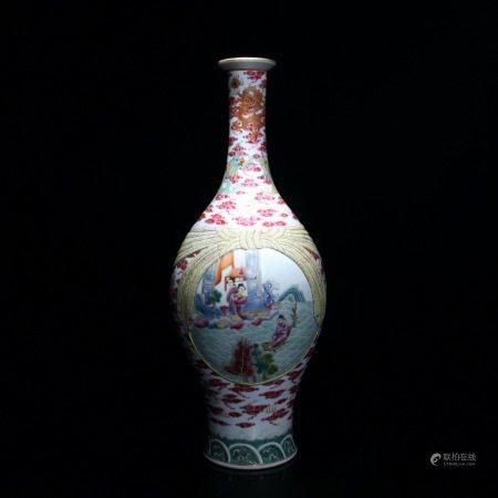 清 珐琅彩人物图包袱瓶
