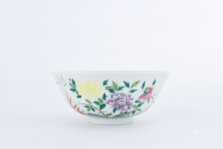 A FAMILLE ROSE 'BIRD AND FLOWER' PORCELAIN BOWL