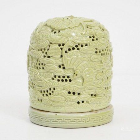 A yellow glaze fragrance, late Qing Dynasty 晚清黄釉香薰
