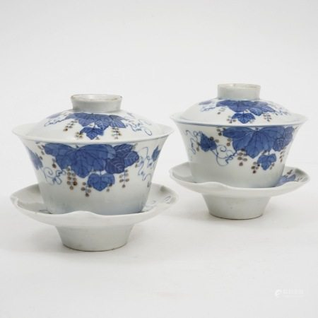 A pair of blue and white bowls, late Qing Dynasty 晚清青花盖碗一套