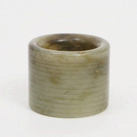 A Hetian jade ring, Qing Dynasty 清和田玉扳指