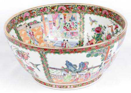 LARGE CANTONESE FAMILLE ROSE BOWL